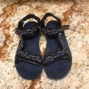 Teva sandals size 8